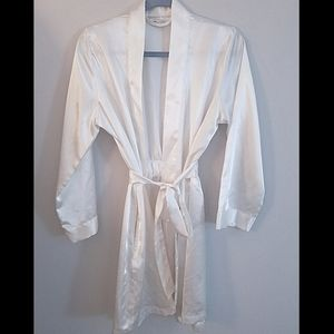 Satin bridal robe 💍🍾🥂